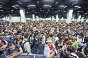 Gamescom Sicherheits-Report 2016: Schon Stunden vor der offiziellen Öffnung drängen sich die Fans vor den Eingängen (Foto: KoelnMesse)