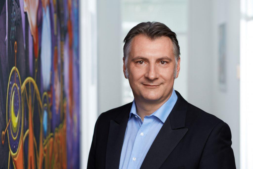 Gameforge-Gründer und CEO Alexander Rösner baut den Spielekonzern erneut um.