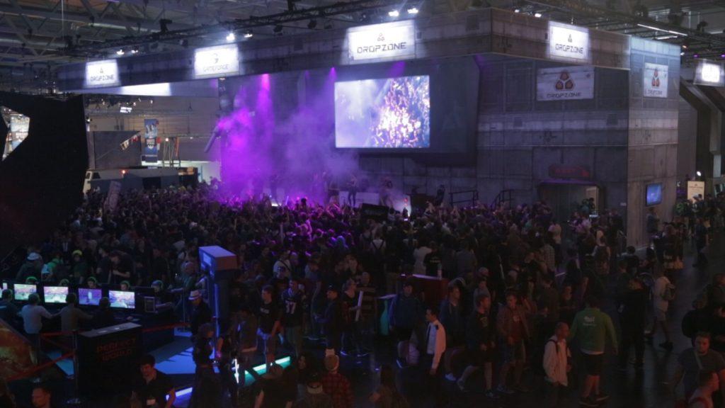 Gameforge-Stand auf der Gamescom 2016: Dropzone soll sich im eSport-Markt durchsetzen.