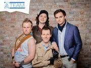 Das A-Team: Stefan Marcinek (Mitte, vorne) mit seinen Mitstreitern von Assemble Entertainment.