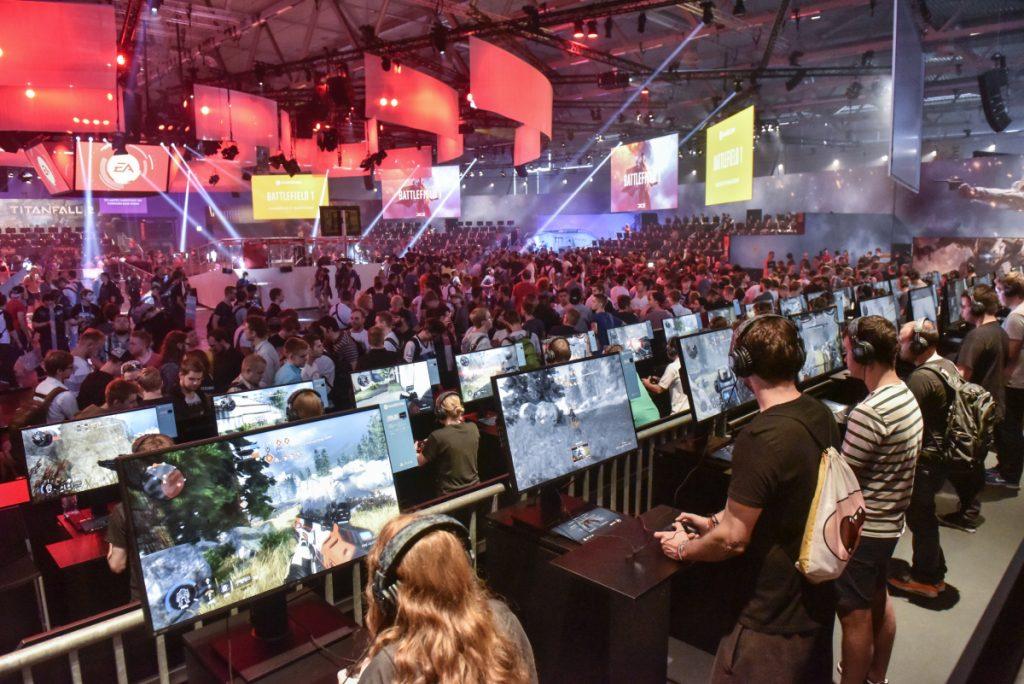 Der Messestand von Electronic Arts gehört traditionell zu den größten auf dem Gamescom-Messegelände (Foto: Koelnmesse GmbH, Thomas Klerx)