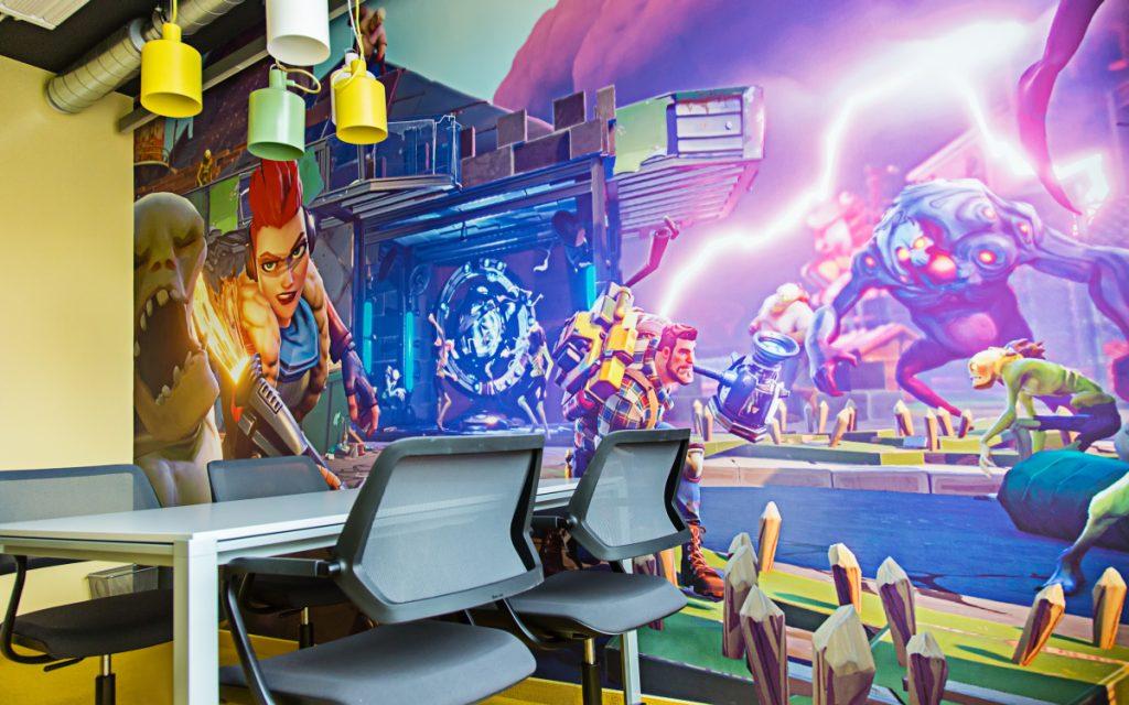 Motive aus Epic-Titeln zieren die Wände in den neuen Räumen von Epic Games.