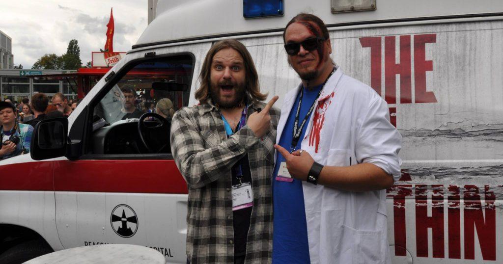 Kennen sich seit vielen Jahren: Erik Range und Joachim Hesse - hier bei Bethesda auf der Gamescom 2014.