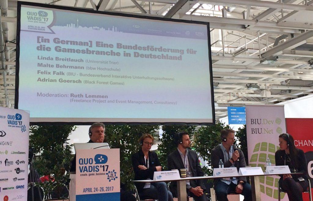 Panel-Diskussion im Rahmen der Games Week 2017: BIU und GAME stellen unterschiedliche Förderkonzepte vor.