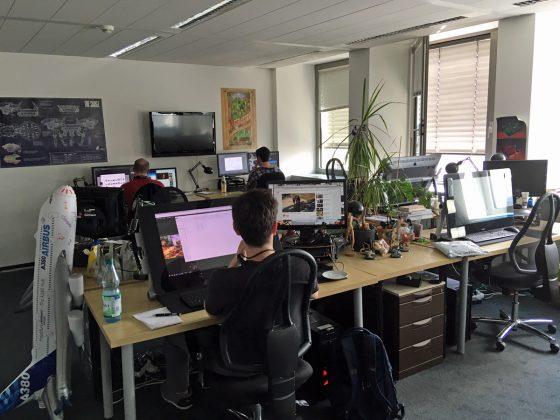 Jede Abteilung - Grafik, Programmierung, QA - teilt sich ein eigenes Großraumbüro.