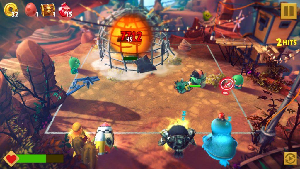 """Die Kämpfe in """"Angry Birds Evolution"""" finden rundenweise statt und erinnern an ein Flipperspiel."""