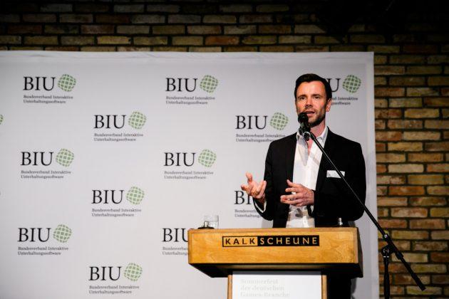 Sommerfest-Premiere für den neuen BIU-Geschäftsführer Felix Falk (Foto: Oh Hewdig / Saskia Baumeister)