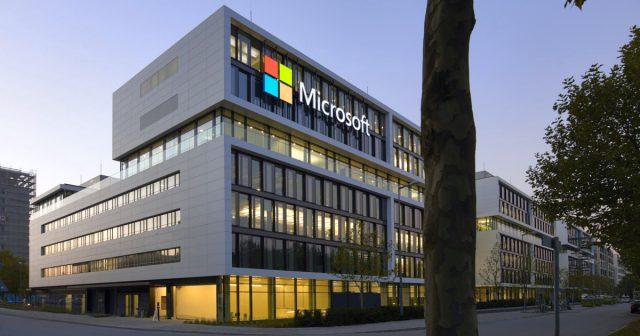 Auch in Deutschland (hier die neue Konzernzentrale in München-Schwabing) baut Microsoft weitere Jobs ab.