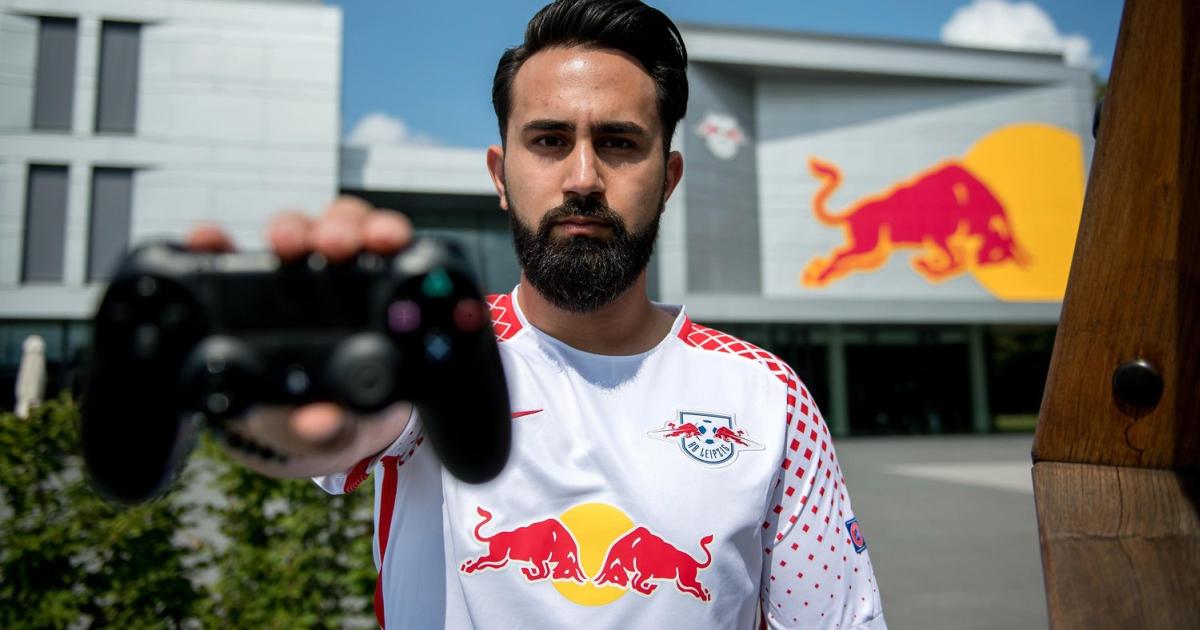 Fifa Meister Cihan Wechselt Von Schalke 04 Zu Rb Leipzig