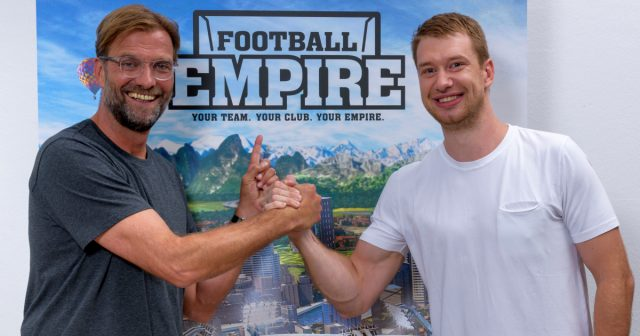 Liverpool-Trainer Jürgen Klopp wird Markenbotschafter von Football Empire (hier mit Digamore-Gründer Maik Dokter)