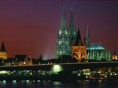 """Nächtliches Köln: Gibt es ab der Gamescom 2018 eine """"Gamescom Night""""? (Foto KoelnMesse / Rainer Gärtner)"""