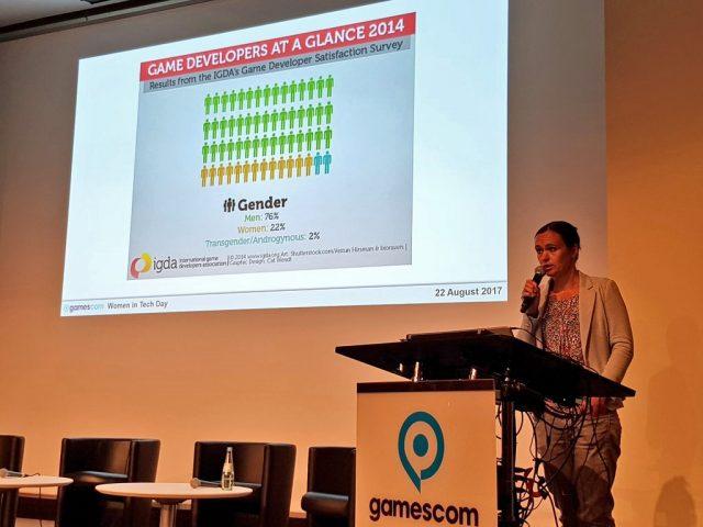 Medienwissenschaftlerin Sabine Hahn bei ihrem Vortrag während des