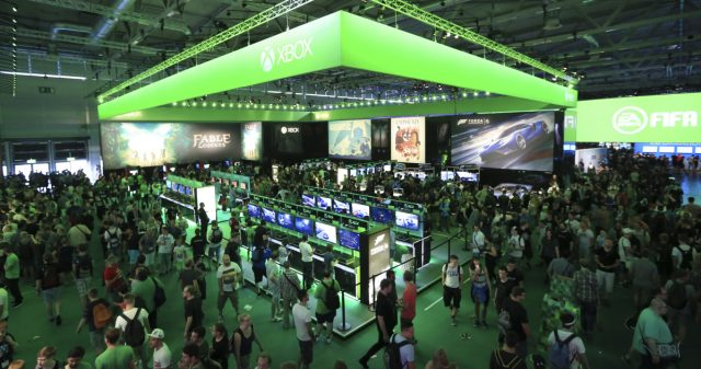 Microsoft lädt 300 Fans zum