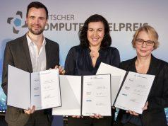 BIU-Geschäftsführer Felix Falk, BMVI-Staatssekretärin Dorothee Bär und GAME-Vize Linda Breitlauch bei der Unterzeichnung der DCP-2018-Vereinbarung in Berlin (Foto: DCP/Dirk Deckbar)