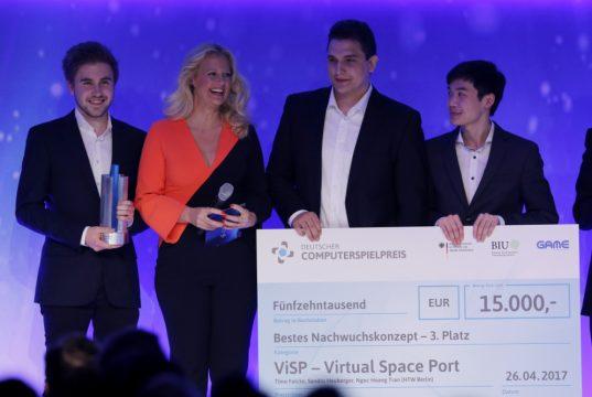 """Für das VR-Aufbauspiel """"ViSP: Virtual Spaceport"""" wurden die drei Gründer mit dem DCP-Nachwuchspreis ausgezeichnet (Foto: Getty Images/Quinke Networks)"""