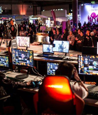 eSports-Turniere und eine dreitägige LAN-Party gehören zum Programm der DreamHack Leipzig 2018 (Foto: Leipziger Messe/Andre Kugellis)