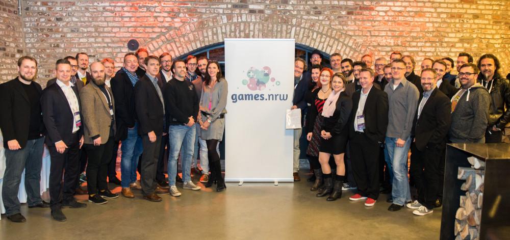 Die Vertreter der 30 Gründungsmitglieder von Games.NRW bei der konstituierenden Sitzung am 6. Dezember in Köln (Foto: Christian Herrmann/Games NRW)