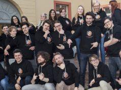 Gegenüber diesem Foto aus Karlsruher Gründertagen hat sich die Belegschaft von Fluffy Fairy Games mittlerweile verdoppelt.