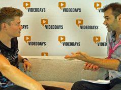 Youtube-Star Dner (Felix von der Laden) im Gespräch mit ZDF-Zoom-Autor Gabriel Stoukalov (Foto: ZDF/Gabriel Stoukalov)