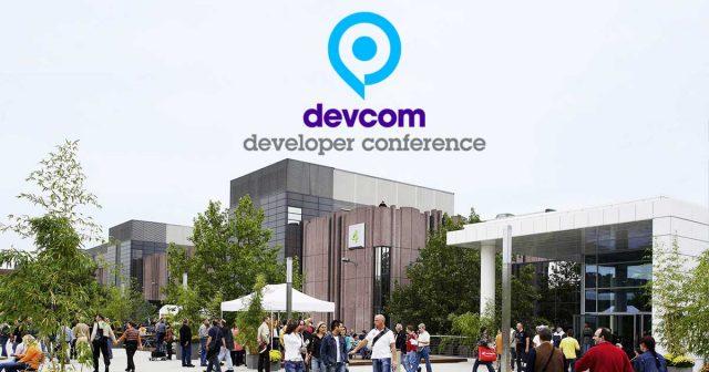 Die zentrale Piazza wird zum Zentrum der Entwicklerkonferenz: Devcom 2018 Tickets sind ab sofort erhältlich (Foto: KoelnMesse GmbH)
