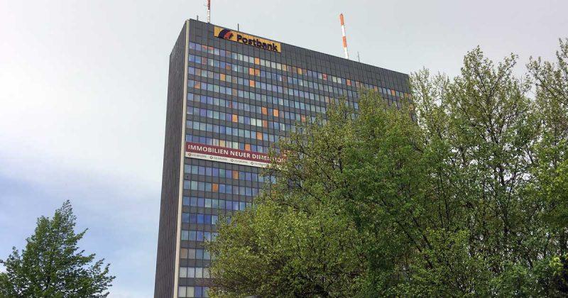 """Fluffy Fairy Games belegt die 16. von 23 Etagen im Berliner """"Postbank-Hochhaus""""."""