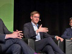 Jan Pommer (ESL, ESBD), Sportpolitiker Johannes Steiniger (CDU) und DOSB-Funktionär Christian Steiniger beim German eSports Summit 2018 (Foto: ESBD/Maria Manneck)