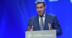 Bayerns Ministerpräsident Markus Söder (CSU) - hier bei der Verleihung des Deutschen Computerspielpreises 2018 (Foto: DCP / Getty Images für Quinke Networks / Hannes Magerstaedt)