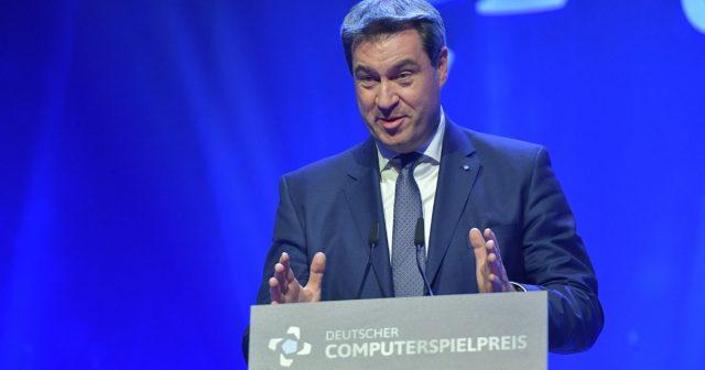 Ministerpräsident Markus Söder (CSU) - hier bei der Verleihung des Deutschen Computerspielpreises 2018 - will die Games-Fördergelder aufstocken (Foto: DCP / Getty Images für Quinke Networks / Hannes Magerstaedt)