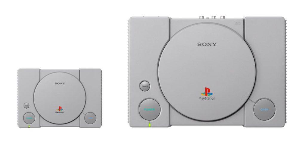 Die PlayStation Classic im Größenvergleich mit dem Original von 1994 (Foto: Sony Interactive)