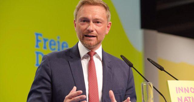 Bundeshaushalt 2019: FDP-Partei- und Fraktions-Chef Christian Lindner fordert Antworten der Groko zum Thema Games-Förderung (Foto: FDP Presse / Caitlin Hardee)