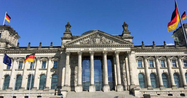 Im Deutschen Bundestag diskutiert das Parlament in der Nacht zum 9. November auf Antrag der Grünen-Fraktion über den eSport (Foto: GamesWirtschaft)