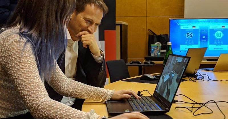 FDP-Politiker Manuel Höferlin gehörte am 26.11. zu den Teilnehmern an der eSport-Veranstaltung im Deutschen Bundestag (Foto: Game-Verband)