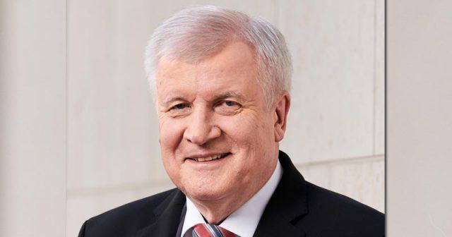 Seit März 2018 ist Horst Seehofer als Bundesinnenminister auch für den Breiten- und Spitzensport zuständig (Foto: BMI / Henning Schacht)