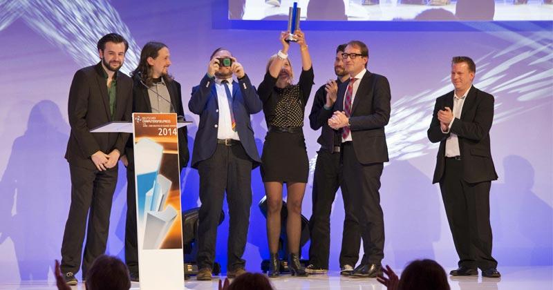 """Mit """"The Inner World"""" holt Headup Games den Deutschen Computerspielpreis 2014 - rechts im Bild: Headup-Gründer Dieter Schoeller (Foto: DCP / Getty Images / Quinke Networks)"""