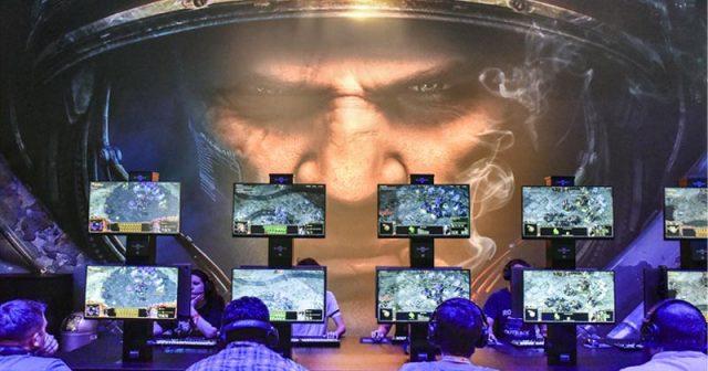 Gamescom-Stand von Activision Blizzard: Die Rekordzahlen des Jahres 2018 nimmt der Publisher zum Anlass, rund 8 Prozent der Belegschaft zu entlassen (Foto: KoelnMesse / Thomas Klerx)