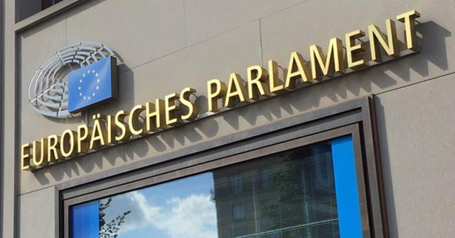 Protest gegen Artikel 13: Die bislang wohl größte Demo gegen die geplante EU-Urheberrechtsreform findet am 23. März in Berlin statt (im Bild: die Vertretung des EU-Parlaments nahe des Brandenburger Tors) - Foto: GamesWirtschaft