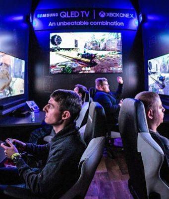 Samsung bewarb auf der DreamHack Leipzig 2019 unter anderem QLED-Monitore im Zusammenspiel mit der Xbox One (Foto: Leipziger Messe GmbH / Tobias Stoffels)
