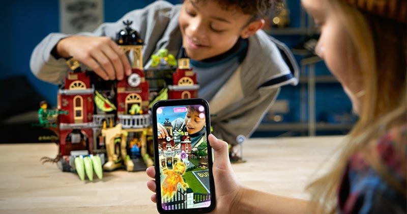 """Die acht Spielsets der """"LEGO Hidden Side""""-Reihe sind ab Spätsommer 2019 erhältlich (Foto: The LEGO Group)"""