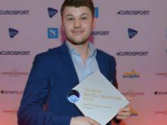 """Nik Peters holt den Deutschen Sportjournalistenpreis in der Kategorie """"Beste Berichterstattung eSport"""" (Foto: Sören Bauer / Oliver Walterscheid)"""