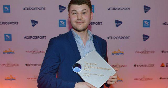 Nik Peters holt den Deutschen Sportjournalistenpreis in der Kategorie