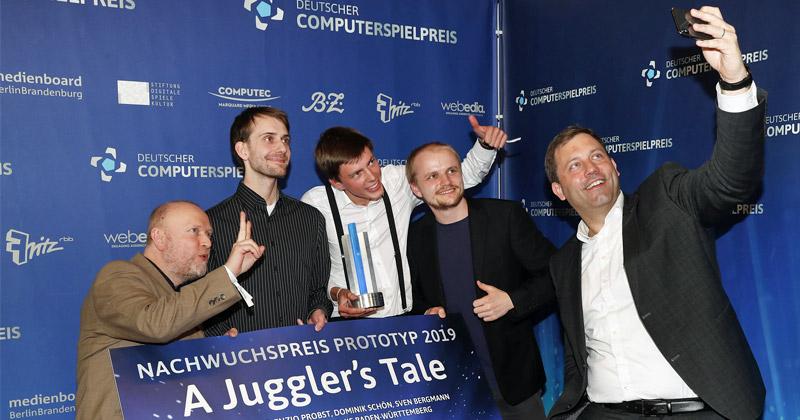 Selfie mit dem SPD-Generalsekretär: Landes- und Bundespolitiker nutzen den DCP als Bühne (Foto: Franziska Krug / Getty Images for Quinke Networks)