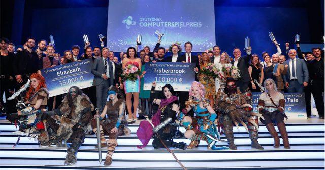 Ausrichter, Laudatoren und Sieger des Deutschen Computerspielpreises 2019 (Foto: Franziska Krug / Getty Images for Quinke Networks)