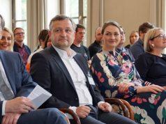 Referenten beim Update Games 2019: BMVI-Referatsleiter Christian Schlosser, Daniel Curio (Bay. Wirtschaftsministerium), Digitalministerin Judith Gerlach und FFF-Bayern-Geschäftsführererin Dorothee Erpenstein (Foto: StMD Bayern)