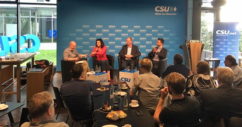Der Netzpolitik-Arbeitskreis begrüßte deutlich über 100 Gäste zur CSUnet-Convention in der Münchener CSU-Zentrale (Foto: GamesWirtschaft)