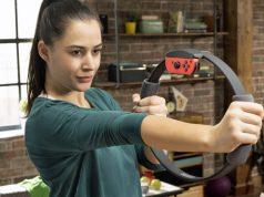 Der Ring-Con in Aktion: Der Joy-Con-Controller wird direkt in das Spiel-/Fitnessgerät eingesetzt (Foto: Nintendo of Europe)