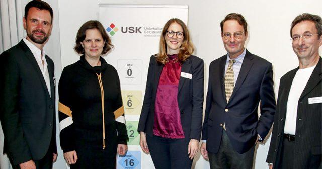 Feierten 25 Jahre USK: Felix Falk (Game), Juliane Seifert (Familienministerium), Elisabeth Secker (USK), Andreas Bothe (NRW-Familienministerium) und USK-Beirats-Vorsitzender Wolfgang Hußmann (Deutsche Bischofskonferenz) - Foto: USK