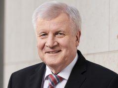 """Nach dem Anschlag von Halle will Bundesinnenminister Horst Seehofer (CSU) die """"Gamer-Szene"""" stärker in den Blick nehmen (Foto: BMI / Henning Schacht)"""