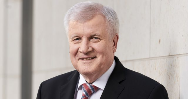 Nach dem Anschlag von Halle will Bundesinnenminister Horst Seehofer (CSU) die