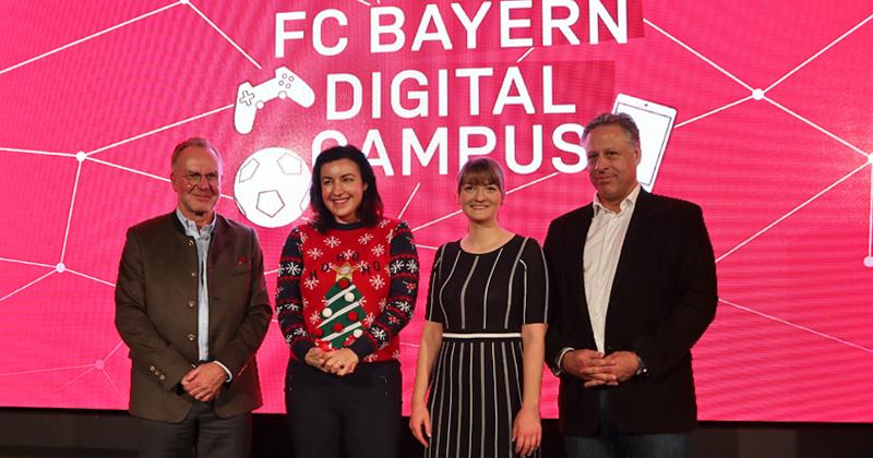 Auftakt des FC Bayern Digital Campus: Karl-Heinz Rummenigge, die Ministerinnen Dorothee Bär (CSU) und Judith Gerlach (CSU) und FCB-Medien-Direktor Stefan Mennerich (Foto: Fröhlich)
