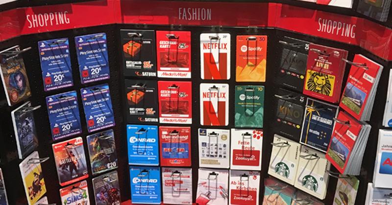 Gigantische Auswahl: Geschenk-Gutscheine gibt es mittlerweile an nahezu jeder Supermarkt-Kasse und in Tankstellen (Foto: GamesWirtschaft)